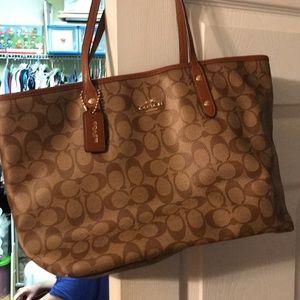 Couch shoulder purse